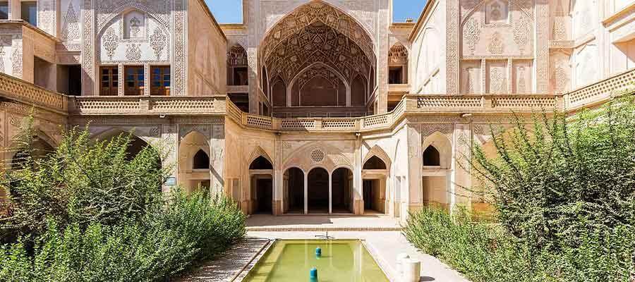 خانه عباسیان یک جاذبه توریستی مهم در کاشان
