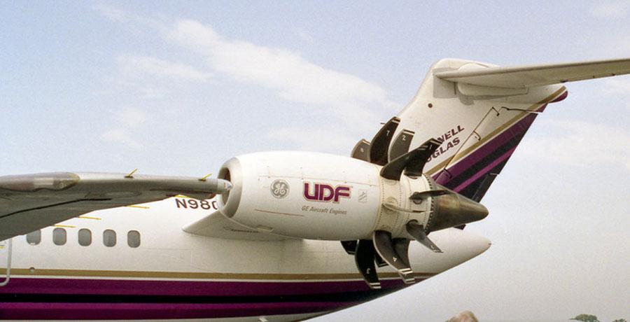 مشخصات فنی هواپیمای مک دانل 80