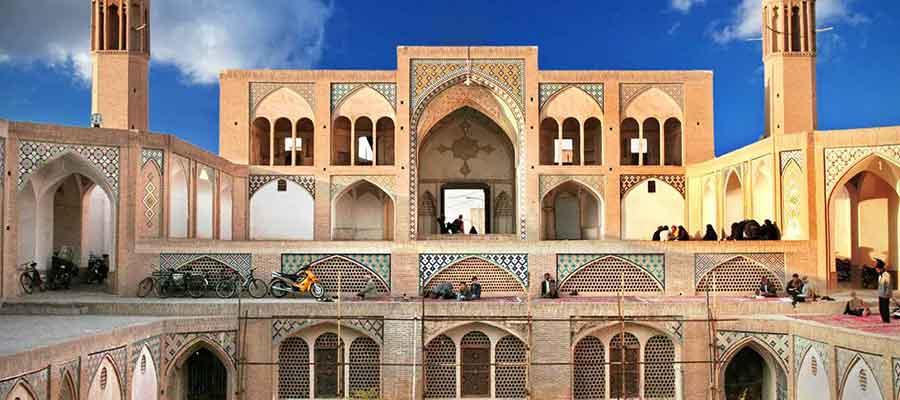 مسجد آقا بزرگ کاشان، یک جاذبه گردشگری تاریخی در ایران