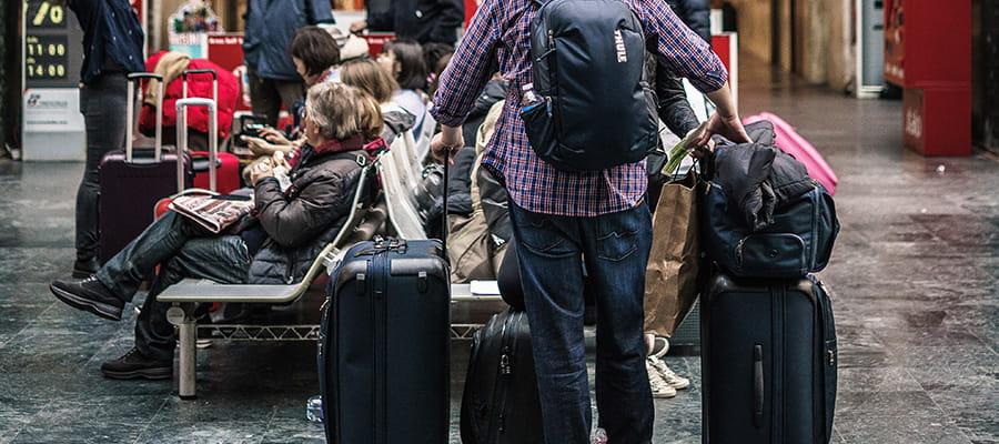 10 مورد از مهمترین و ضروری ترین وسایل سفر