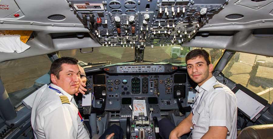 خلبان هواپیمایی کاسپین