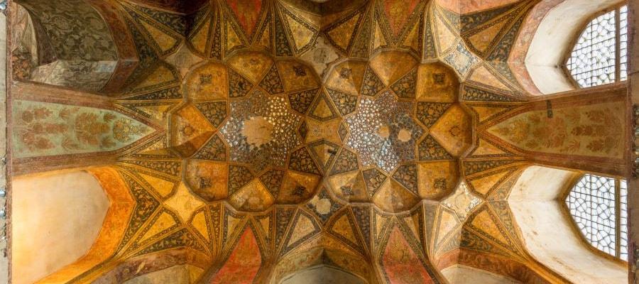 راهنمای سفر به اصفهان و جاذبه های تاریخی
