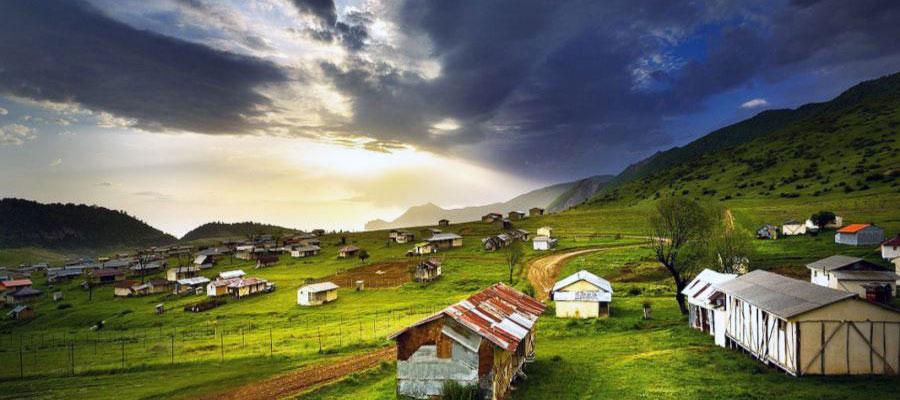 راهنمای سفر به دهکده جهان نما