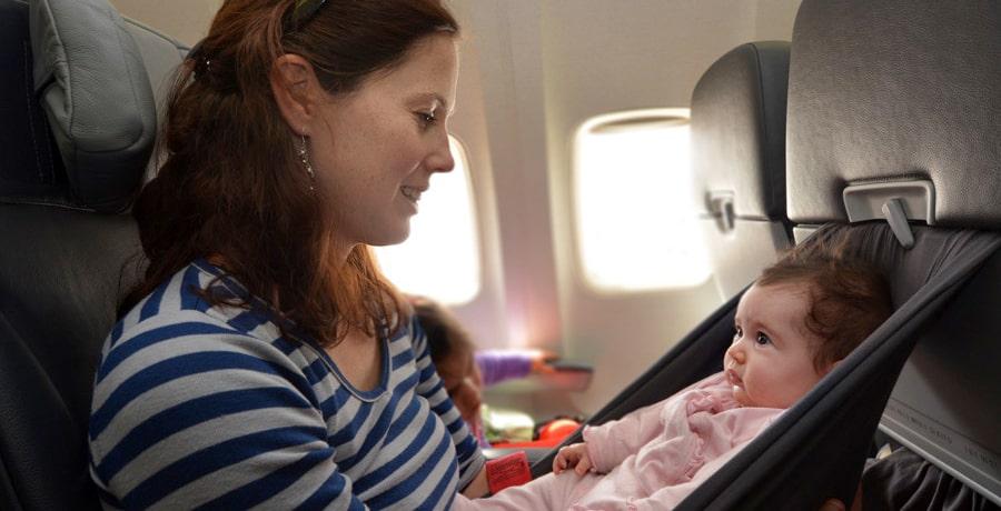 نوزادان در هواپیما
