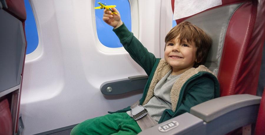 خدمات ویژه هواپیمایی برای کودکان بدون همراه