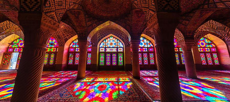 مسجد نصیرالملک، رنگارنگ ترین مسجد دنیا و زیباترین مسجد ایران