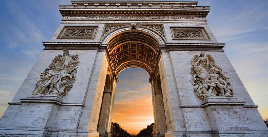 آثار تاریخی و مکان های توریستی و گردشگری پاریس و فرانسه