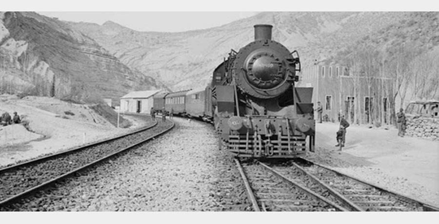 اولین قطار وارد شده به ایران