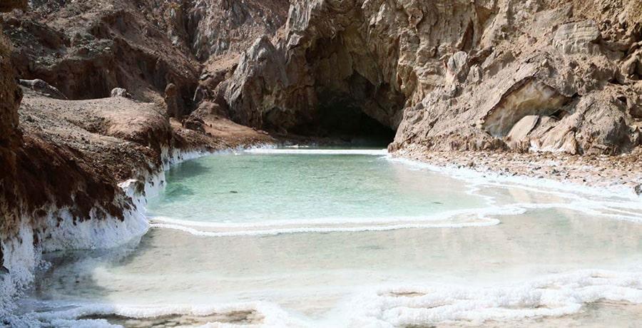سفر در زمستان به جزیره قشم و دیدار از غار نمکی