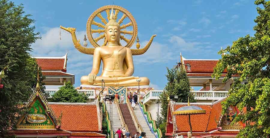مجسمه بودا تایلندی یکی از بهترین معبدهای سنتی تایلندی