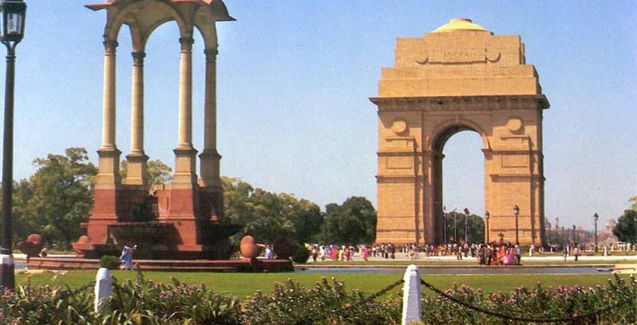 دورازه هند، بنایی مشرف به دریایی عرب در آثار دیدنی هند