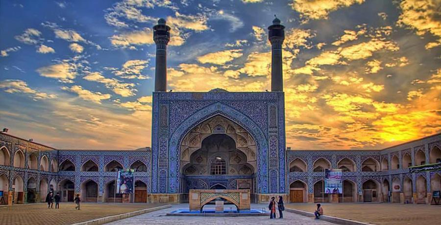 تصویری از مسجد جاکع اصفهان به عنوان یکی از آثار تاریخی یونسکو در ایران