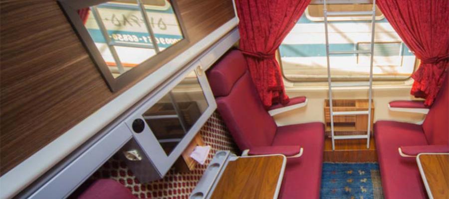 عکس قطار زندگی از داخل واگن ها