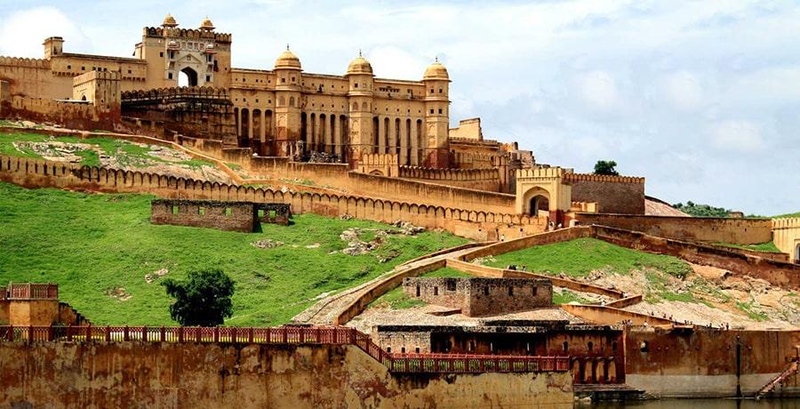 قلعه عامر در شهر جیپور از جاذبه های دیدنی هند