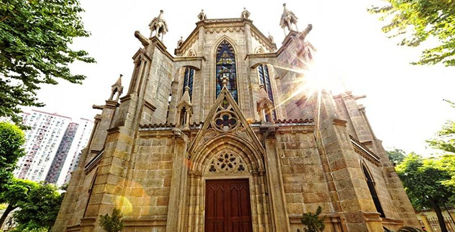 کلیسای جامع قلب مقدس، خانه سنگی گوانجو