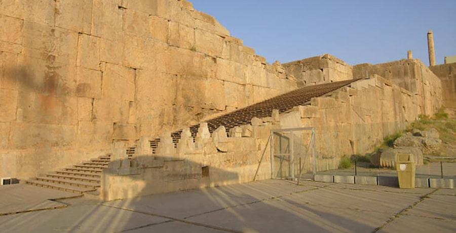 پرسپولیس، دومین اثر تاریخی ثبت شده ایران در فهرست یونسکو