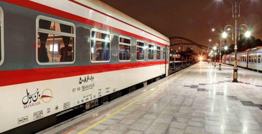 قطار پرستو تهران مشهد