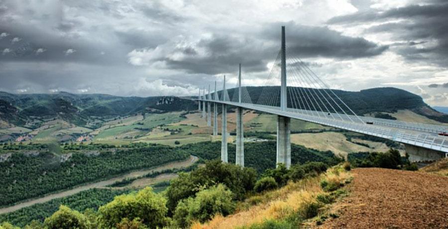 بلندترین پل میله ای دنیا پل میلو است