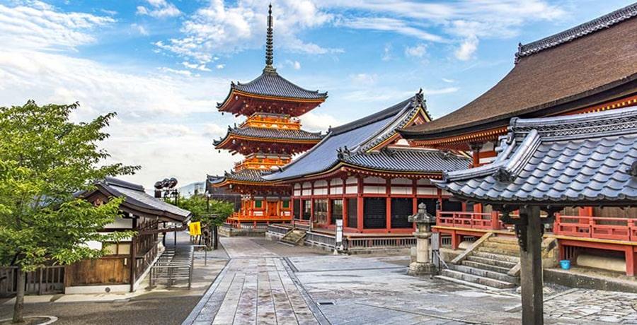 کیومیزو درا یا معبد آب پاک در کیوتو