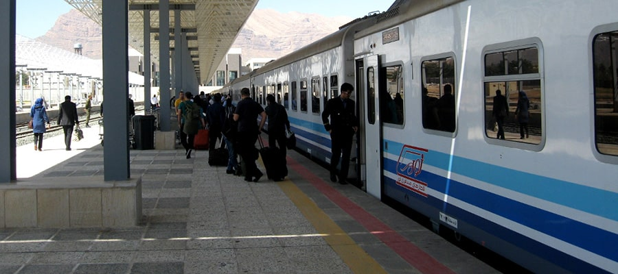 قطار نور اصفهان به مشهد