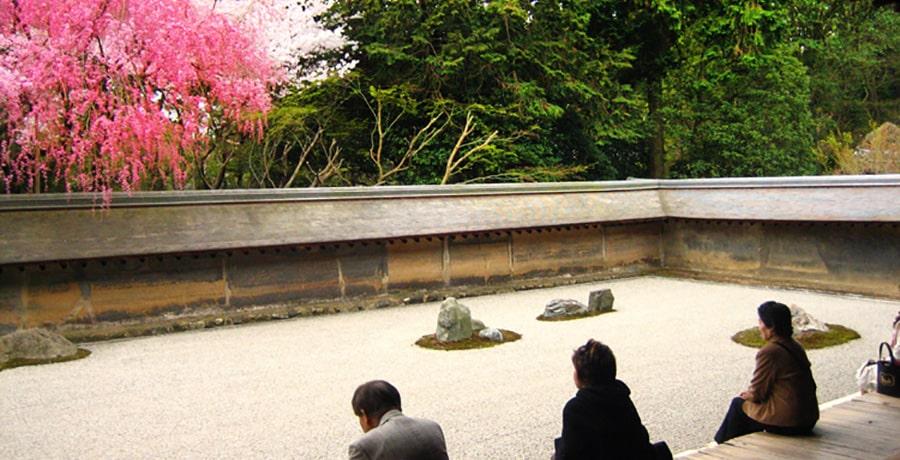 تصویری از معبد ریوآنجی یکی از معابد دیدنی ژاپن