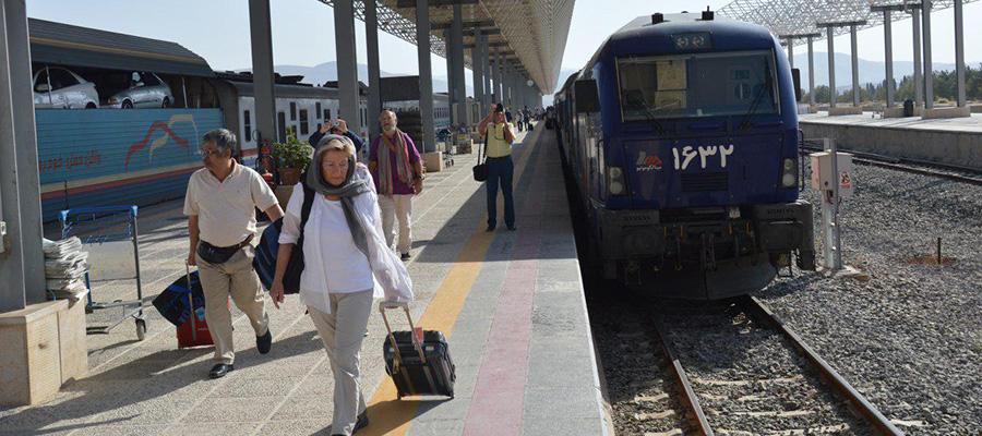 قطارهای مسیر قطاری شیراز مشهد و بالعکس
