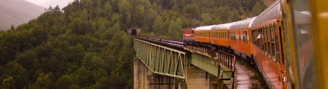 قطار توس 4 تخته