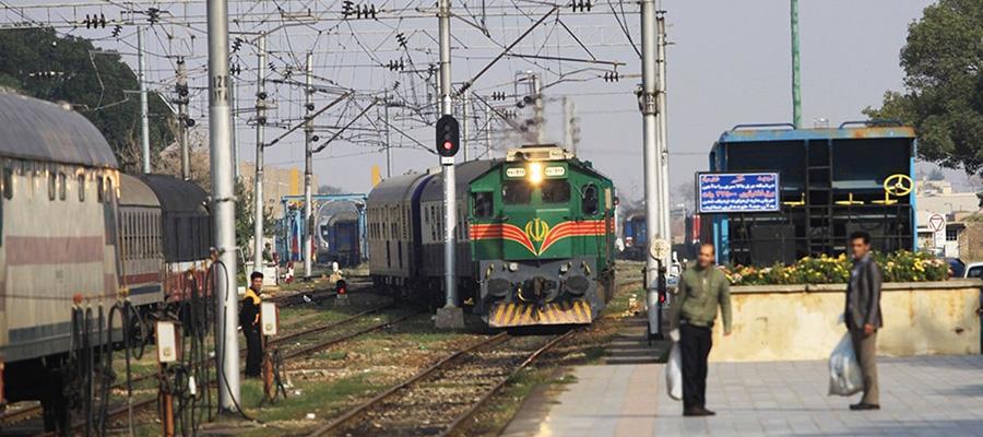 قطار پلور سبز شیراز مشهد