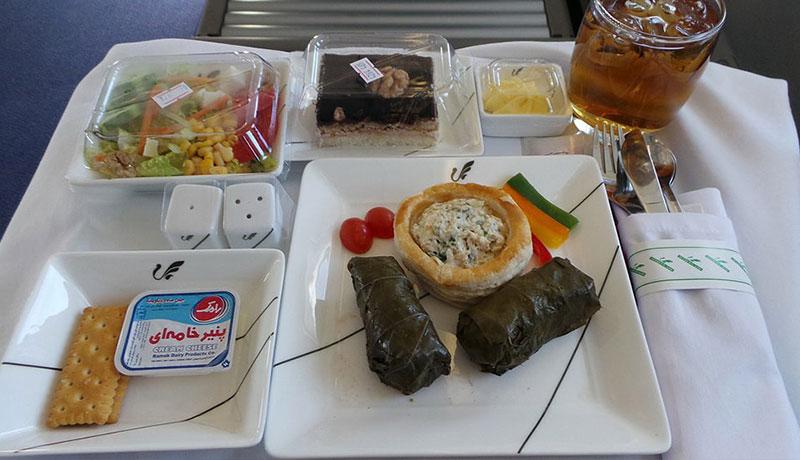 عکس غذای هواپیمایی ماهان در مسیر تهران اصفهان