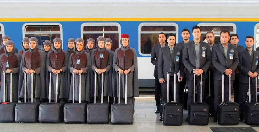 عکس مهمانداران قطار نسیم