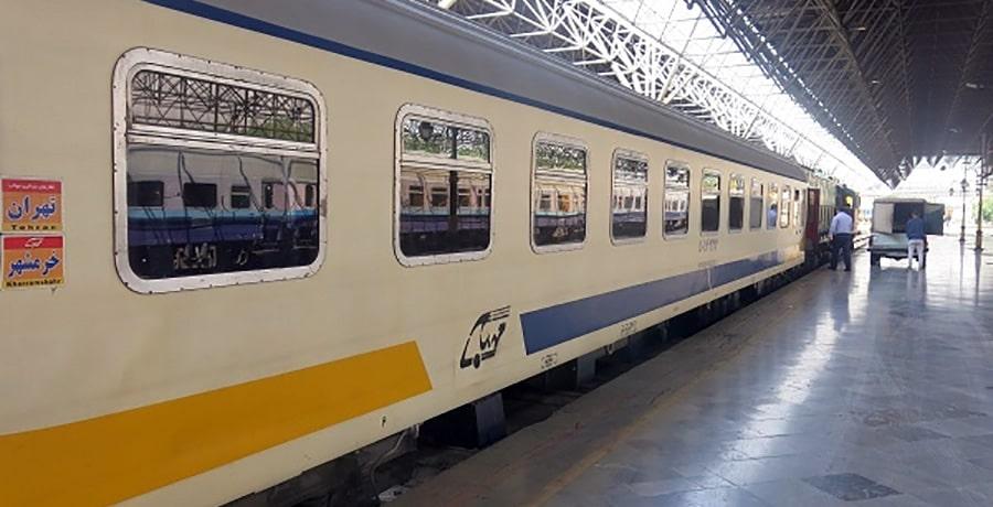 قطار مهتاب قم تهران