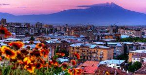 ارمنستان ایروان در بهار