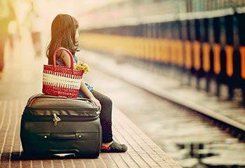 کودک مسافر قطار