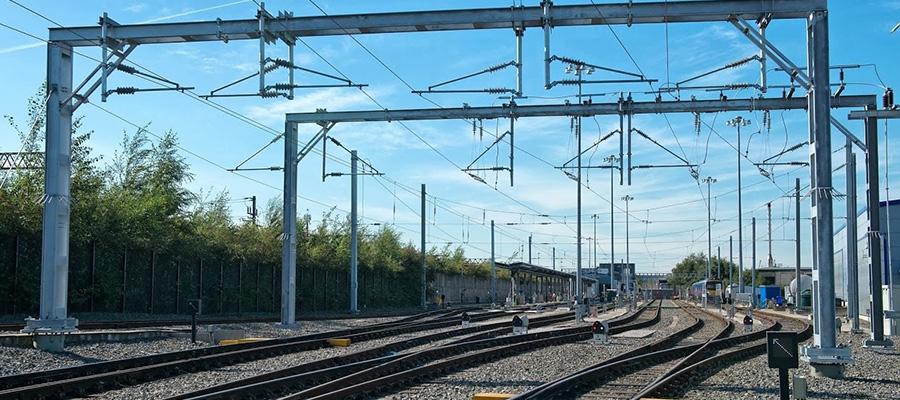 قطار سریع السیر تهران مشهد شامل چه قطارهایی است؟