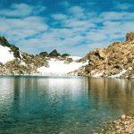 دریاچه ای زیبا در