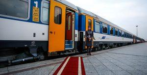 ورود مسافران به قطار 6 تهته مهتاب